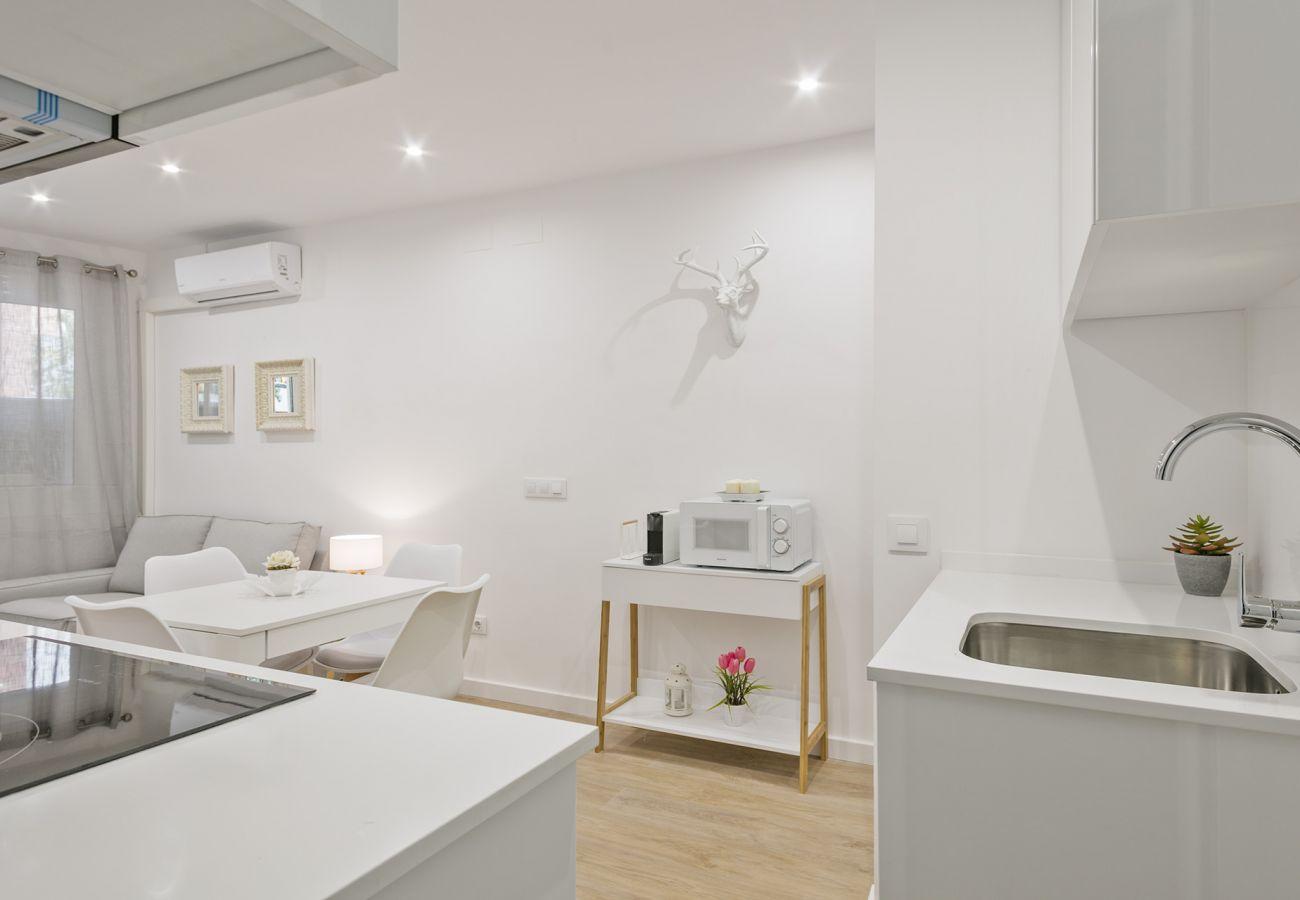 Apartamento en Barcelona - Awesome Brand New 3Br Apt.