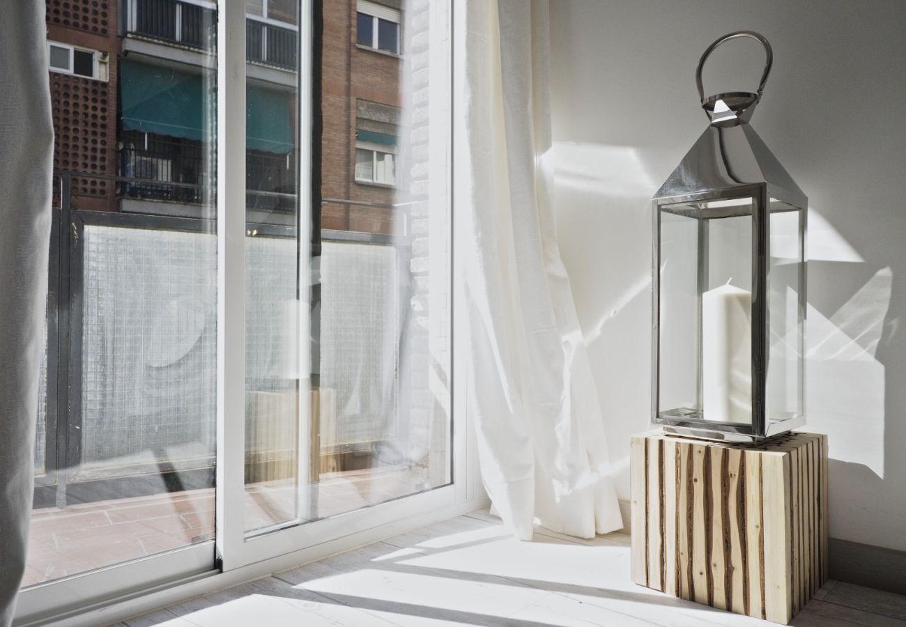 Apartamento en Barcelona - Sumptuous 2Br Apt. with balcony