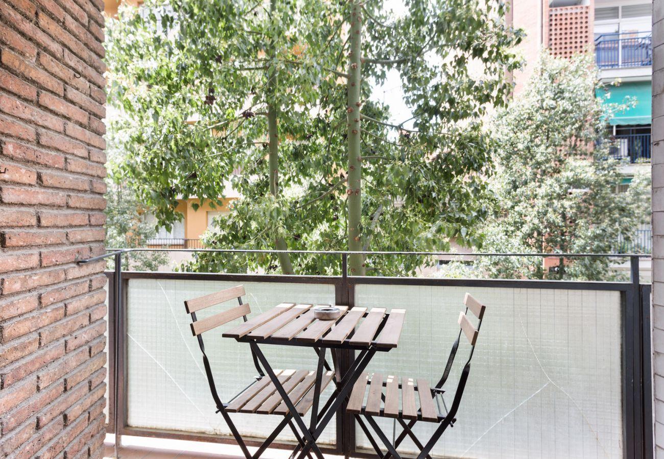 Apartamento en Barcelona - Vintage Deco 3Br Apt. with Balcony