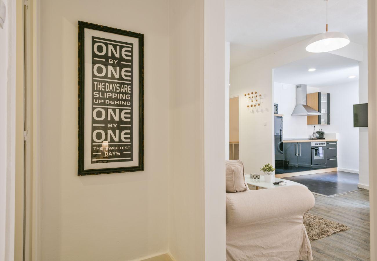 Apartamento en Barcelona - Stylish and Cozy 3Br Apt.