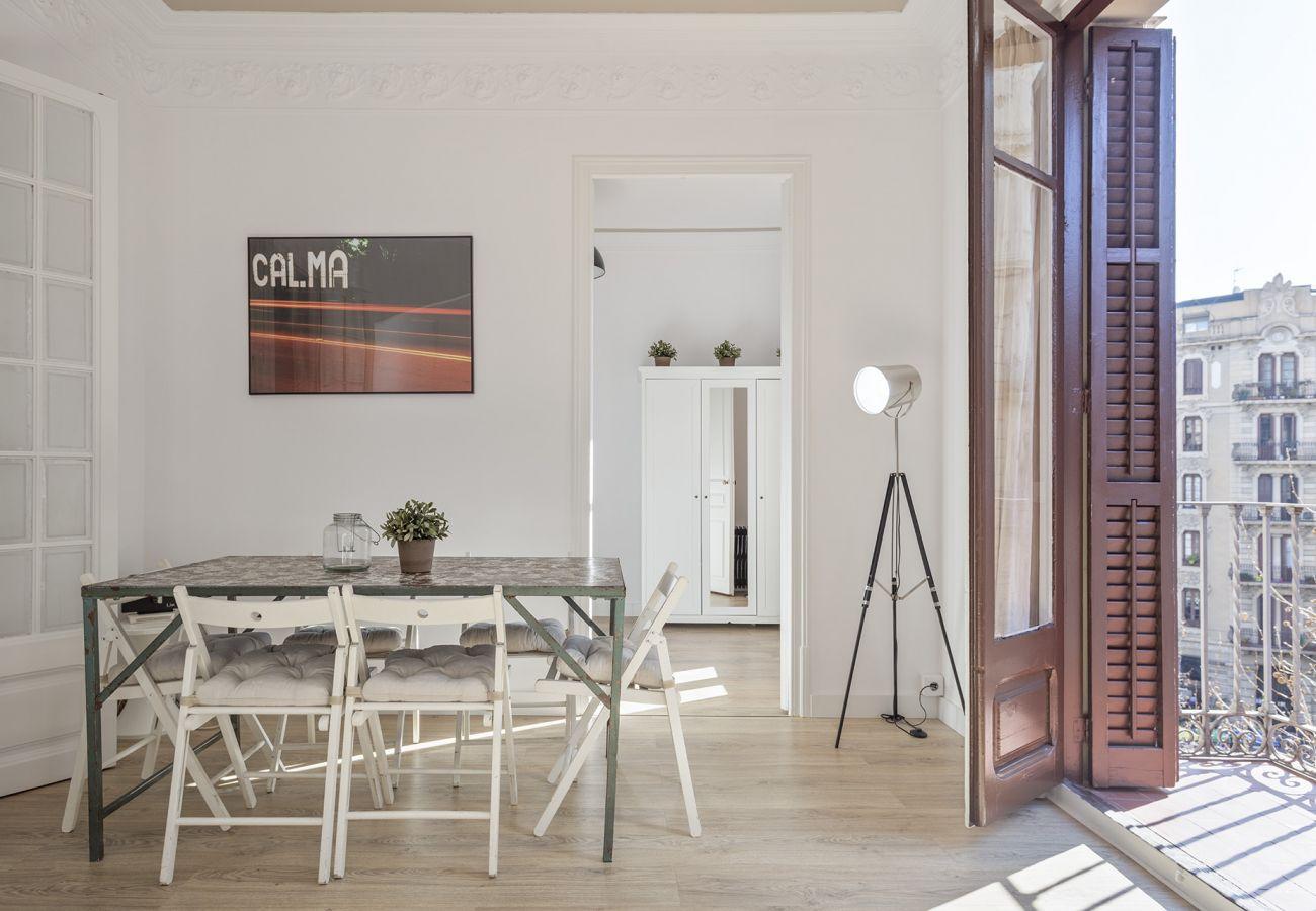 Apartamento en Barcelona - Stunning 4Br Modernist Style Apt.