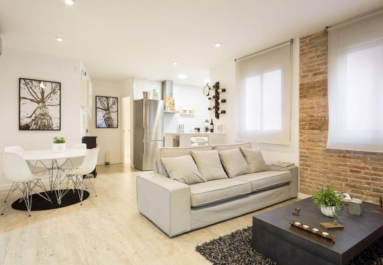 Apartment in Barcelona - Superb 2Br Designer Apt.