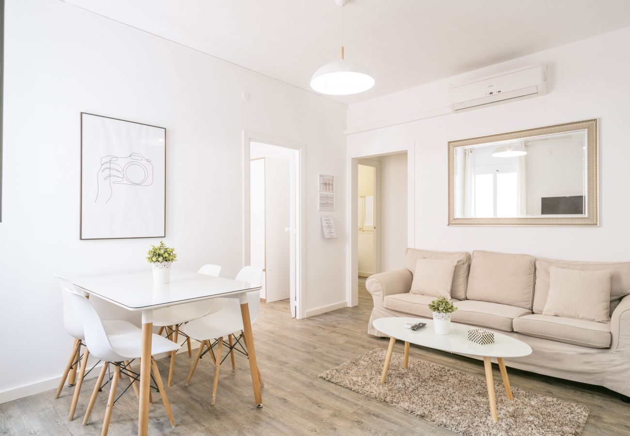 Apartment in Barcelona - Stylish and Cozy 3Br Apt.