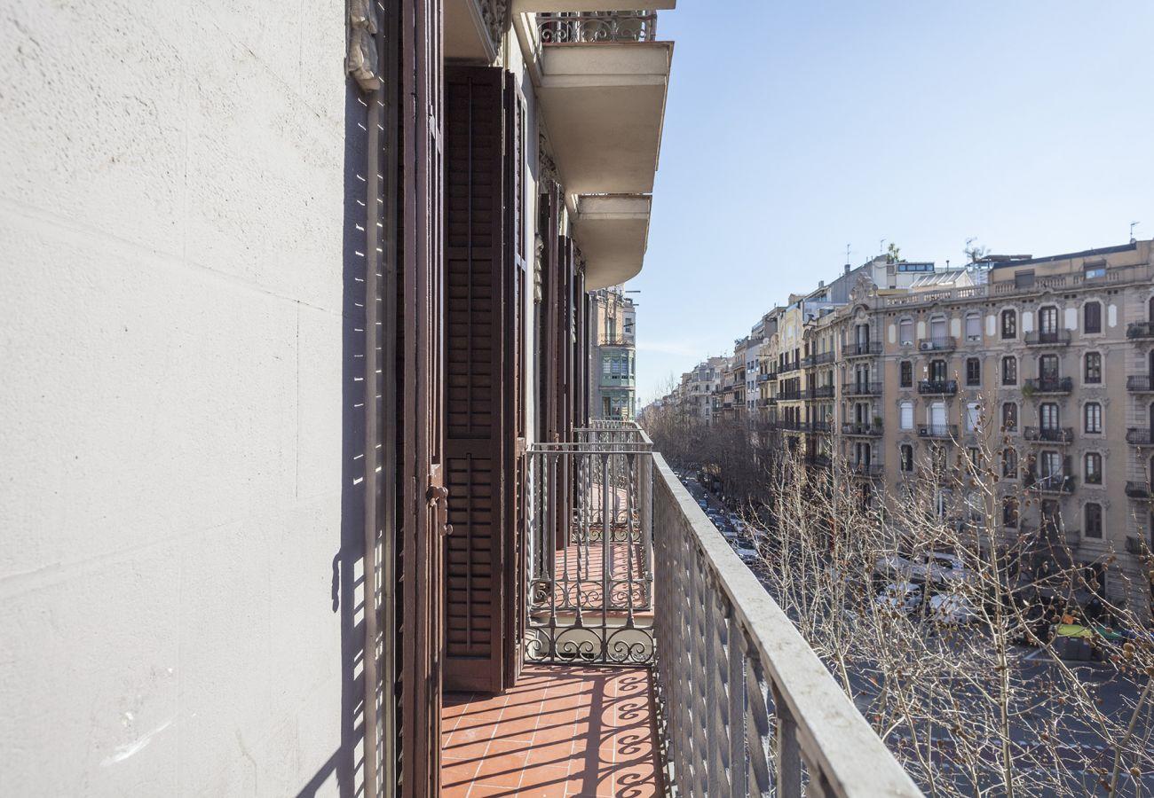 Apartment in Barcelona - Stunning 4Br Modernist Style Apt.